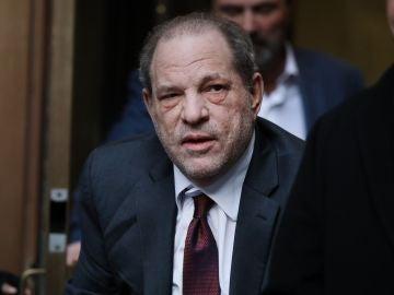 Imagen de archivo de Harvey Weinstein en el juzgado