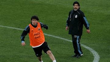 Messi y Maradona en el mundial de 2010