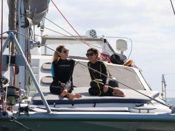Marta y Agripina disfrutan de un viaje en barco con el traje de neopreno puesto, ¿qué habrán hecho?
