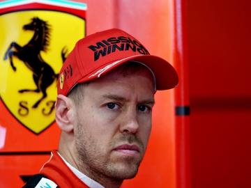 Sebastian Vettel, en el box de Ferrari
