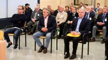 """Los acusados Álvaro Pérez """"El Bigotes"""" (i), Francisco Correa (c) y Pablo Crespo"""