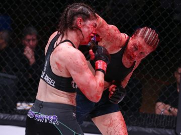 Sangrienta pelea de Julija Stoliarenko y Lisa Verzosa