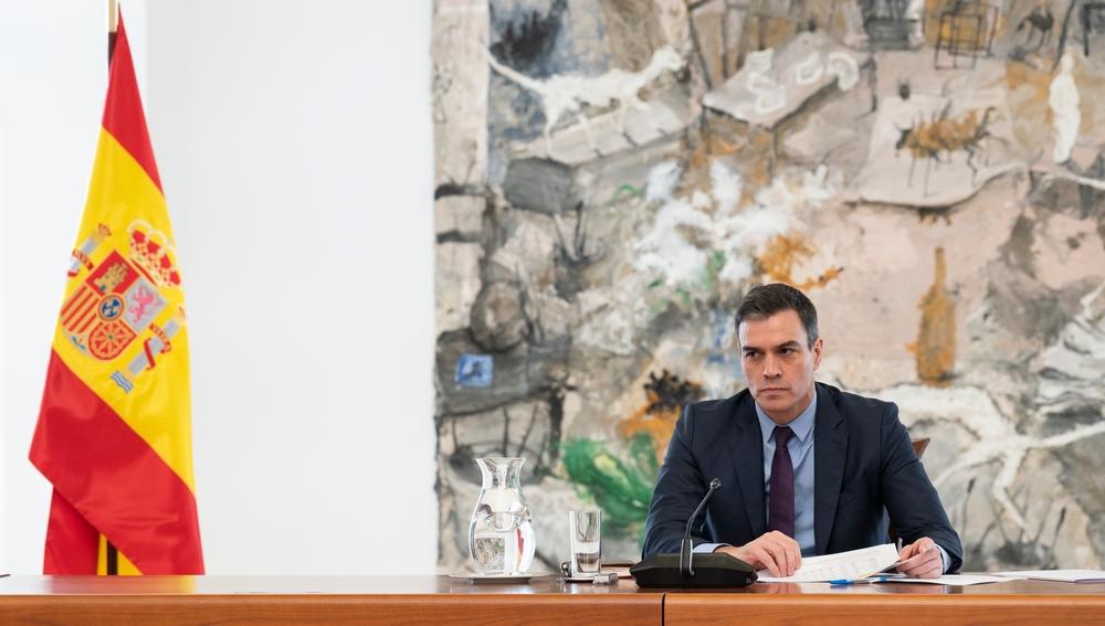 Pedro Sánchez, durante la reunión con el comité técnico