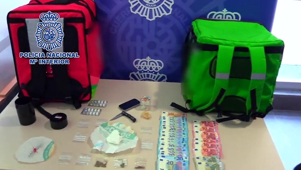 Detienen a tres jóvenes por repartir droga a domicilio simulando ser 'riders' durante el confinamiento