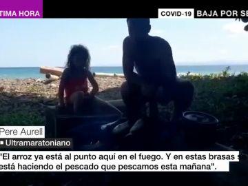Una familia, atrapada en una playa.