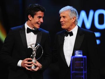 Marc Márquez y Giacomo Agostini