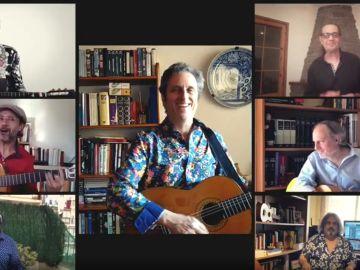 Imagen del videoclip de 'Los Manolos' y su homenaje a los sanitarios