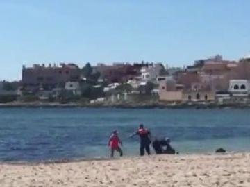 Detenidas tres personas por saltarse el confinamiento e intentar ahogar a un policía en Ibiza