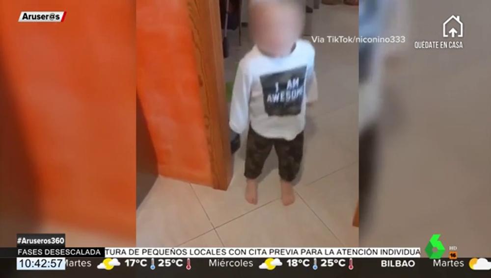"""""""¿Puedo decir una palabrota?"""": la pregunta de un niño a su madre que se ha hecho viral en redes"""