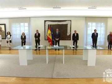 Pedro Sánchez, los líderes de las patronales CEOE y Cepyme y de los sindicatos UGT y CCOO firman pacto para prorrogar los ERTE