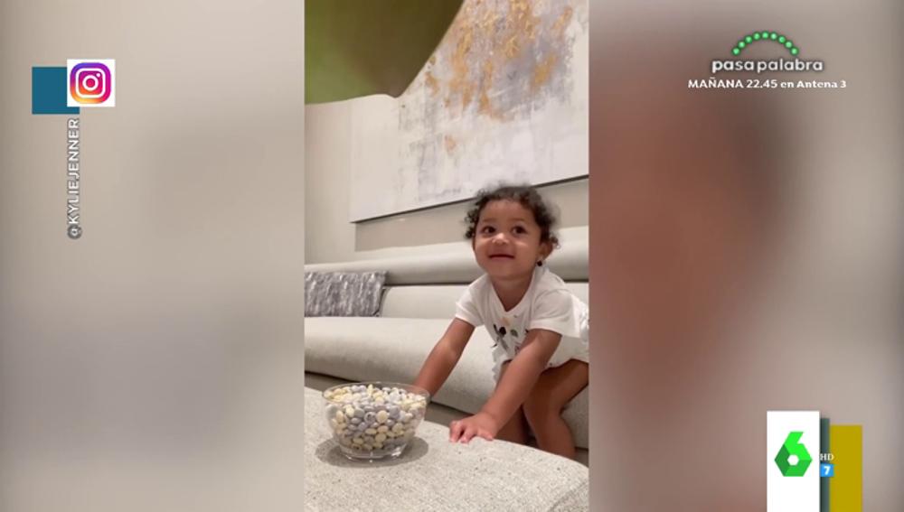 El experimento de Kylie Jenner con su hija que revoluciona Internet