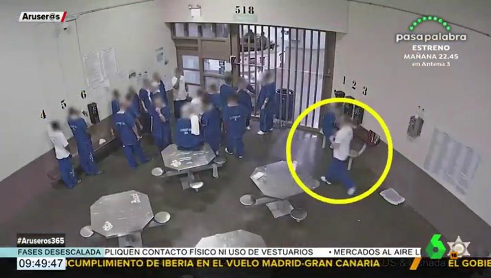 El impactante vídeo que muestra cómo unos presos intentan infectarse de coronavirus para poder salir de la cárcel