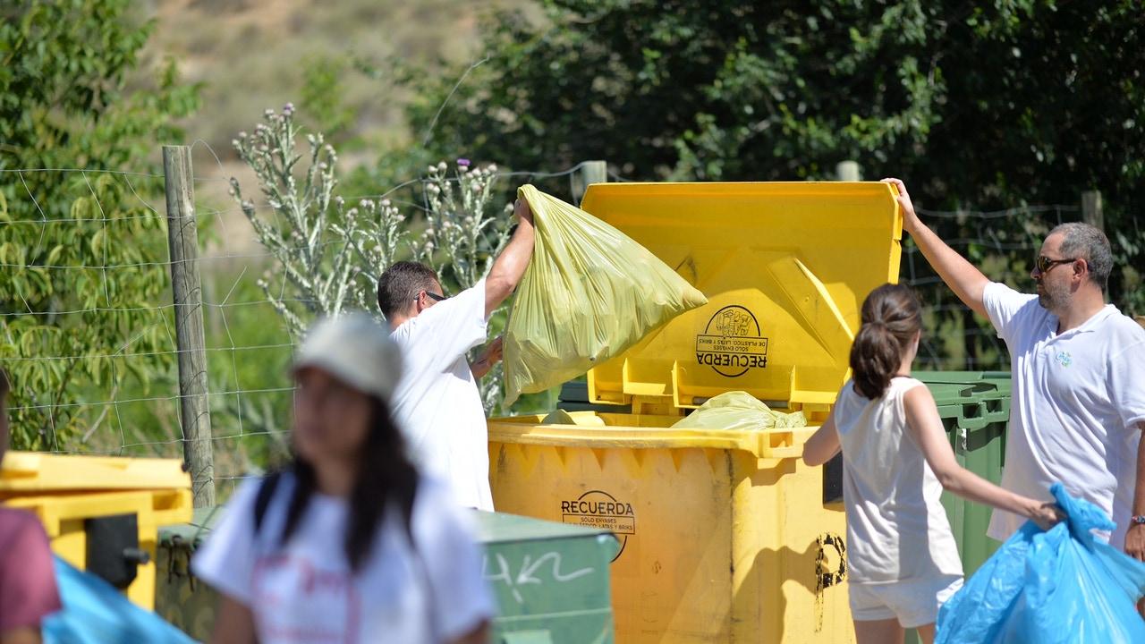 Los españoles depositamos un 8,1% más de envases en los contenedores amarillos y azules en 2019