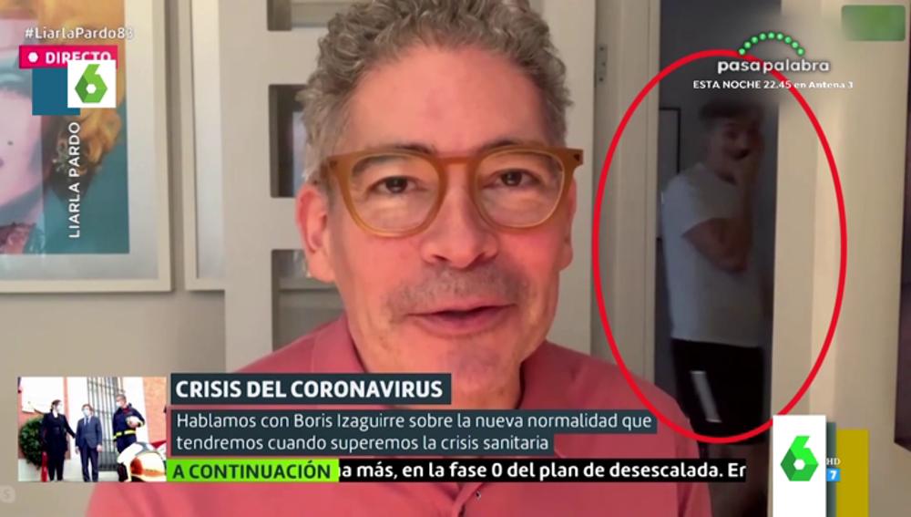 Boris Izaguirre protagoniza un momento 'Merlos' en pleno directo con Liarla Pardo