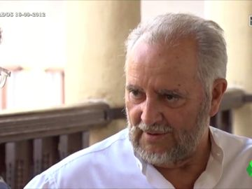 """La reflexión de Julio Anguita sobre la democracia: """"Hasta que la política o los ciudadanos no le den órdenes a la economía, no habrá cambios"""""""