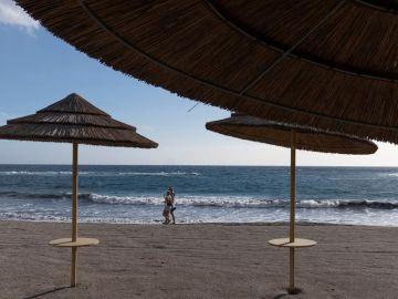 Playa de Tenerife durante la fase 1 de la desescalada