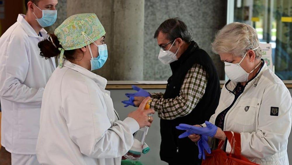Repunte de muertes y nuevos casos de coronavirus en España: 95 fallecidos y 416 positivos