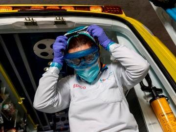 Imagen de archivo: equipo den sanitarios del Suma trabajando