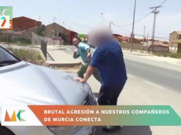 """Así fue la brutal agresión a un reportero: """"El señor seacó del maletero un arma blanca, eché a correr y me persiguió con el coche"""""""
