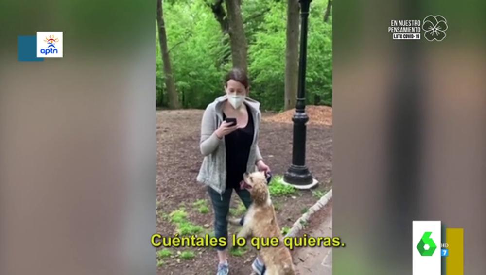 Polémico vídeo racista: un afroamericano le pide que ate a su perro y ella le denuncia
