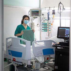 Personal sanitario en el Hospital San Pedro de Logroño