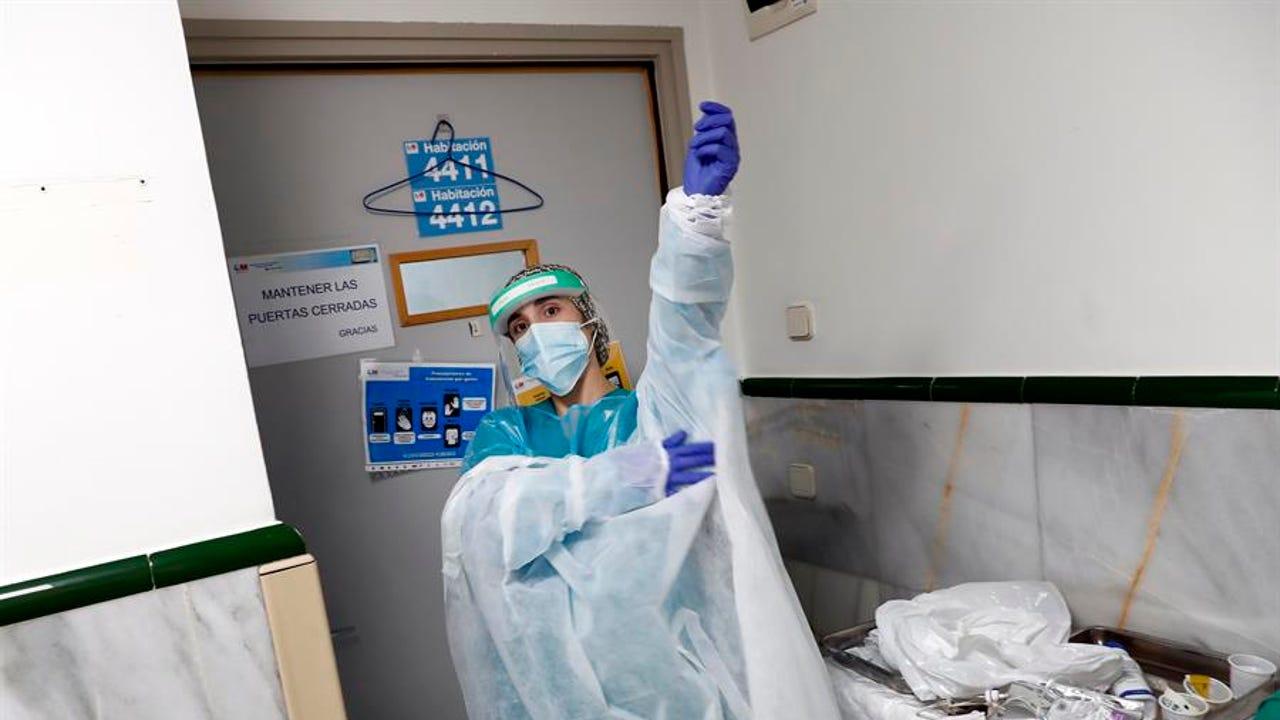 Sanitarios que atienden casos de coronavirus