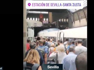 Imagen de aglomeraciones en la estación de tren de Santa Justa