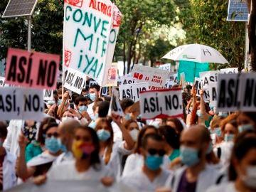 Los médicos residentes (MIR) se manifiestan en la Consejería de Sanidad de la Comunidad de Madrid