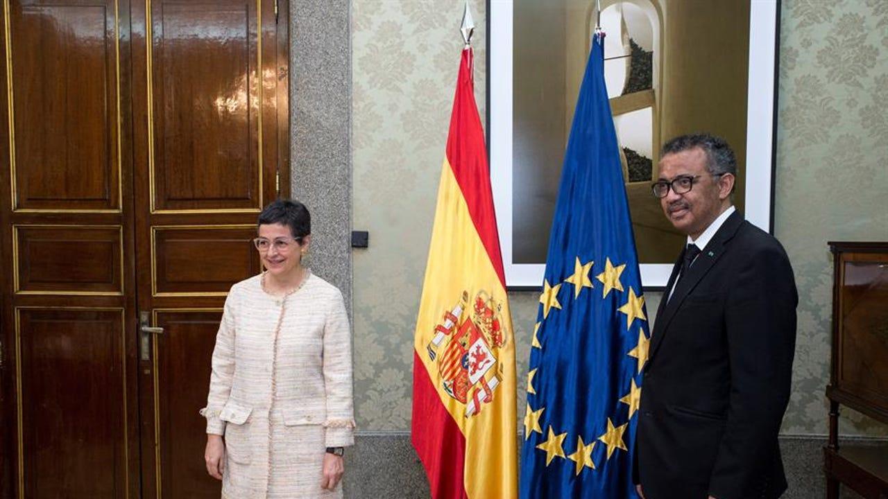 Arancha González Laya se reúne con el director general de la OMS, Tedros Adhanom Ghebreyesus