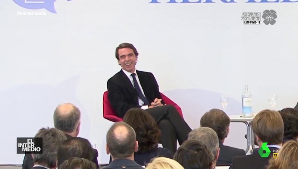 Vídeos manipulados - La risa floja de Aznar al hablar de dinero delante de gente