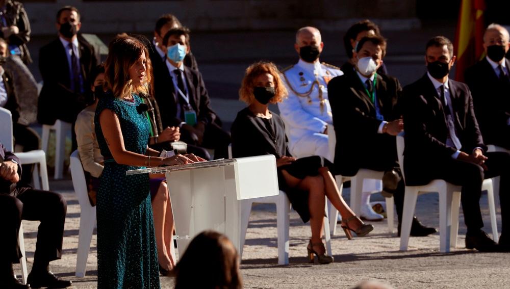 Aroa López en el homanaje de estado a las víctimas del coronavirus