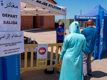 Una temporera acude a hacerse una PCR en Huelva