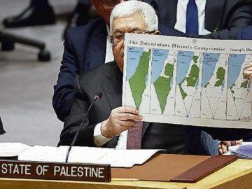 Imagen del presidente palestino, Mahmud Abás, con mapas de Palestina en 1917, 1937, 1947, 1967 y 2020