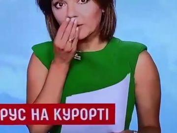 Una periodista ucraniana pierde un diente en directo