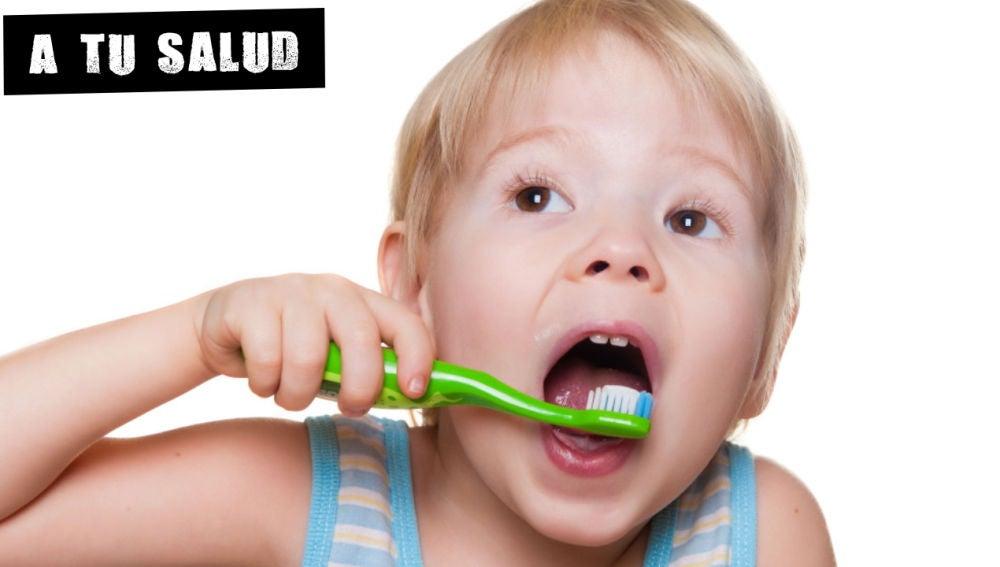 Cómo enseñar a los niños a lavarse los dientes