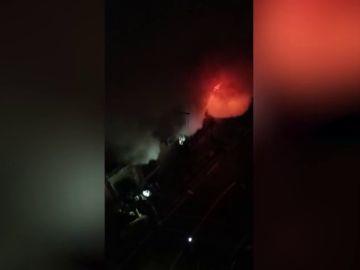 Tres muertos y cuatro heridos en un incendio declarado en una vivienda de la Barceloneta