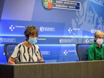Las consejeras de Salud y Desarrollo Económico del Gobierno Vasco, Nekane Muirga y Arantxa Tapia,d
