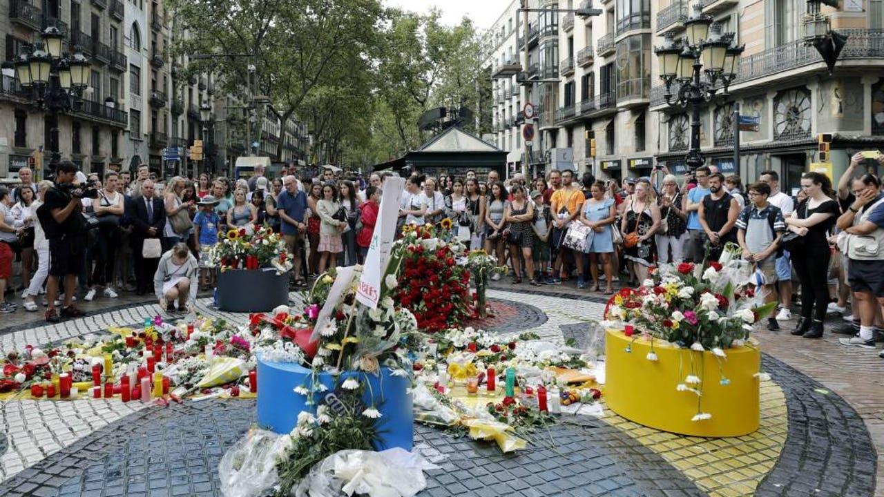 """Los atentados de Barcelona: ¿por qué una decena de jóvenes con una """"vida normal"""" acabaron atentando contra sus vecinos?"""