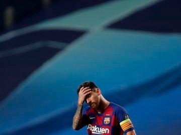 Leo Messi se lamenta en en partido ante el Bayern