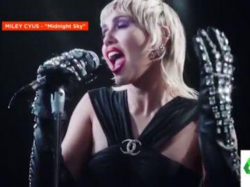 Miley Cyrus estrena 'Midnight Sky': así es su espectacular videoclip con labios rojos y letra feminista