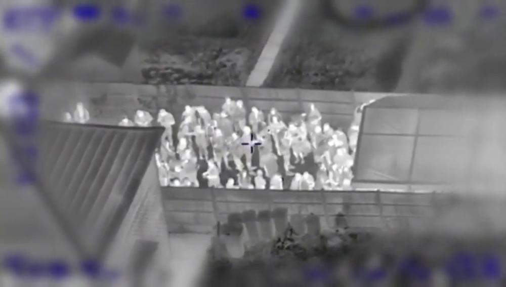 Imágenes de la fiesta ilegal en una casa de Reino Unido