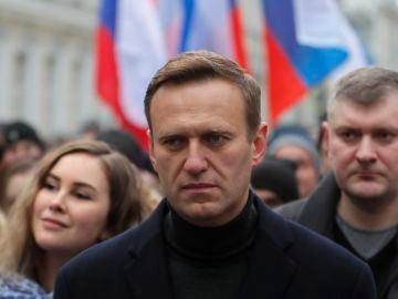 El líder de la oposición rusa Alexei Navalni participa en una marcha en Moscú, Rusia, el 29 de febrero de 2020