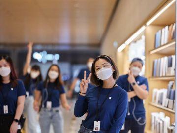 Así son las mascarillas diseñadas por Apple para sus empleados