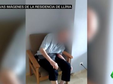 Las duras nuevas imágenes de la residencia investigada en Llíria: ancianos atados, desnutridos y tirados en el suelo