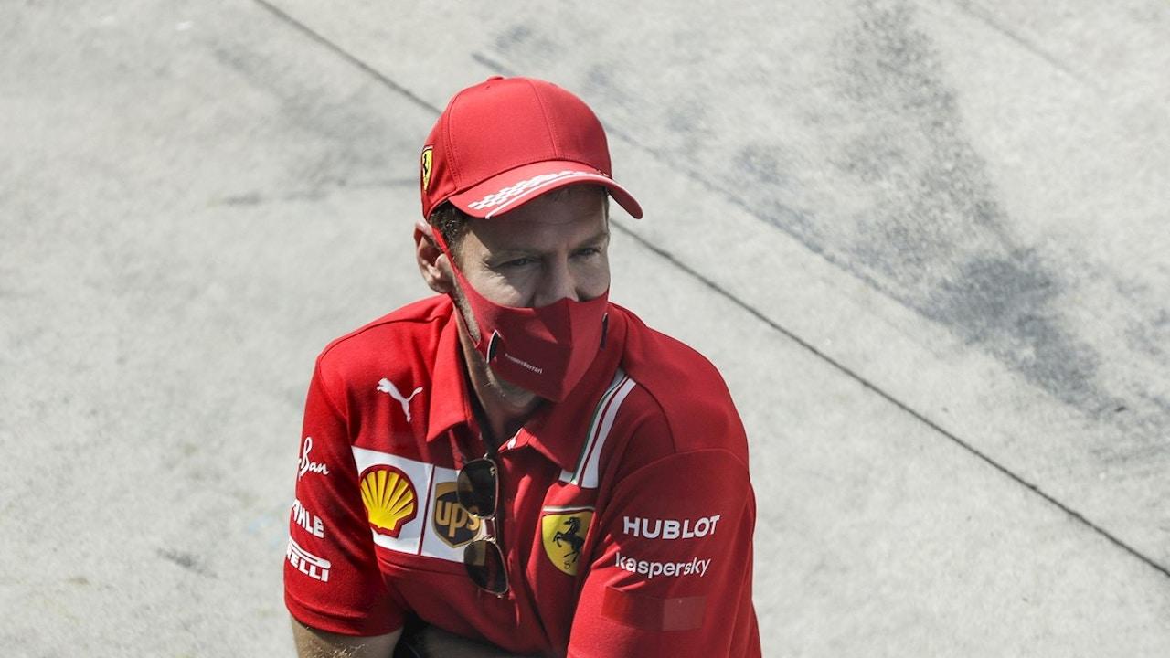 Sebastian Vettel mira al horizonte