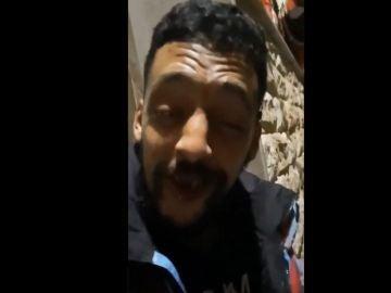 El preso fugado en Melilla, en uno de los vídeos