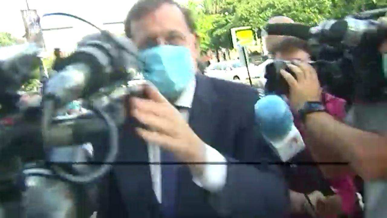 Rajoy evita las preguntas sobre la imputación de su ministro del Interior por la operación Kitchen