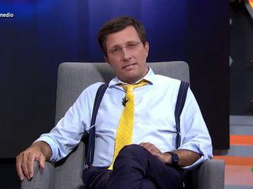 """Almeida, """"más conocido como Cara Guapo"""", en Entrevistas por la Cara: """"Puedo ser alcalde, portavoz del PP y rey de Tinder"""""""