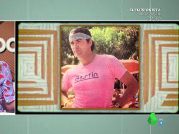 """La 'irresistible' foto de Bertin Osborne en los 70 con una camiseta con su nombre incluido: """""""