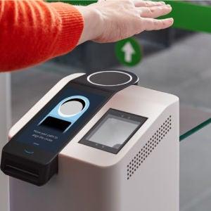 Así es Amazon One, la tecnología para hacer la compra con la palma de la mano